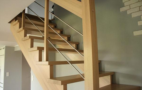 Projekt, wykonanie i montaż schodów